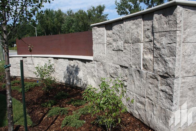 Arriscraft-Full-Bed-Stone-Adair-Limestone-Adair-Landscape-2