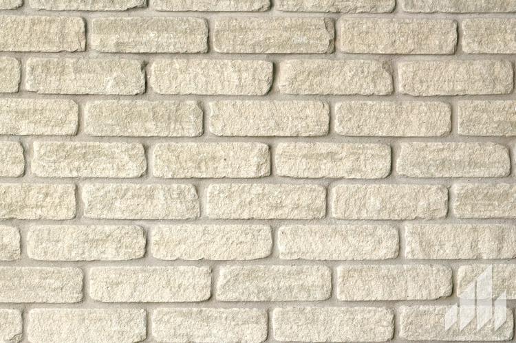 Brick-Arriscraft-Tumbled-Vintage-Brick-Platinum-Grey-Tumbled-Vintage-Brick-1