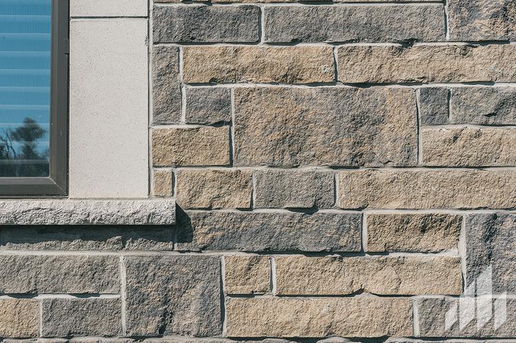 Full-Bed-Stone-Arriscraft-Building-Stone-Edge-Rock-Ontario-Delta-4